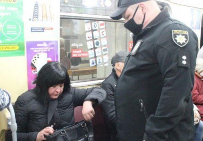 В Харькове усиливают «масочный» контроль