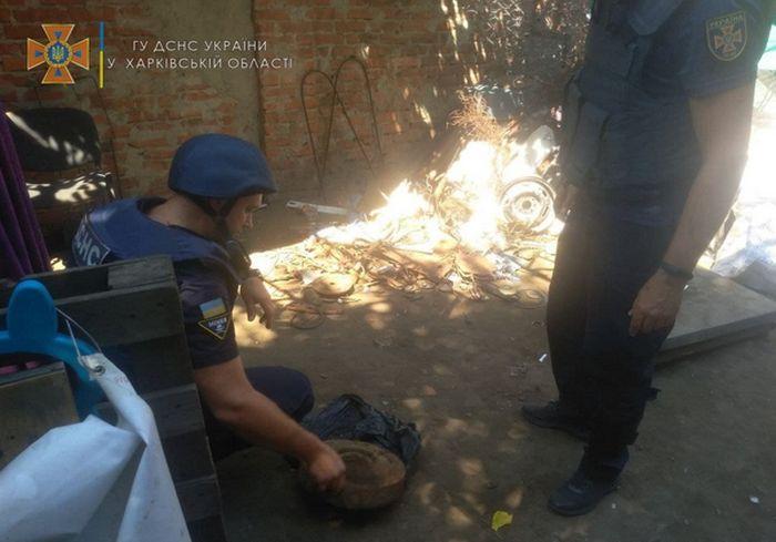 Харьковчане сдали в металлолом противотанковую мину (фото)