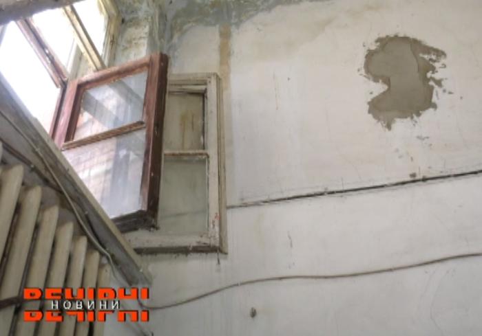 В Харькове власть не обращает внимание на аварийные дома (видео)