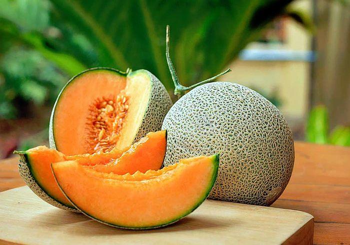При выборе дыни нужно осмотреть весь плод