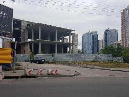 Вцентре Харькова подорвали строение