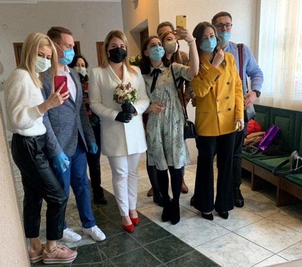 И смех, и грех: появились первые фотографии украинских свадеб во время карантина